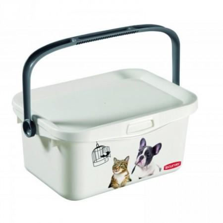 Plastový box s víkem a držadlem pro uskladnění granulí