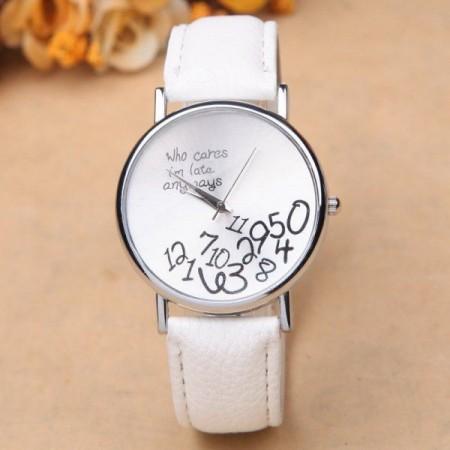 """Vtipné dárkové hodinky s rozsypanými číslicemi, """"Jsem všude pozdě"""", bílé"""