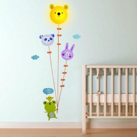 Nástěnná lampa do dětského pokoje spolu se samolepkami- kreslená zvířátka