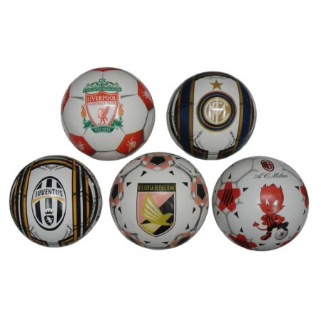 Dětský fotbalový míč s logem fotbalového klubu